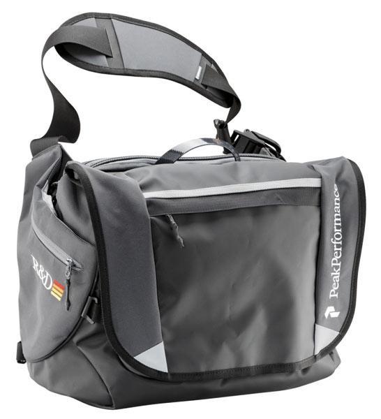 peak performance väska